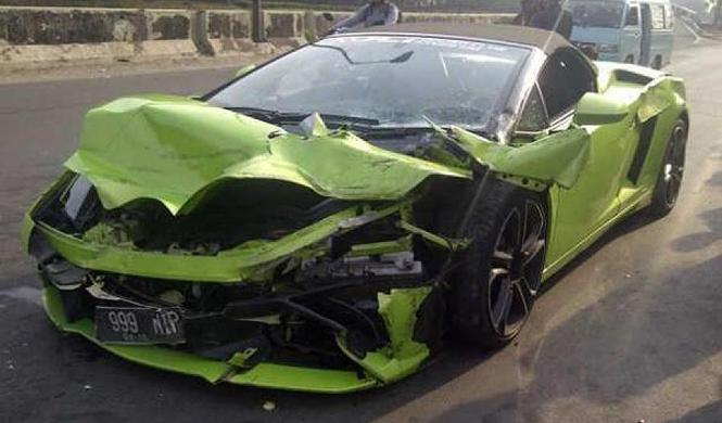 Brutal accidente de un Lamborghini Gallardo en Indonesia