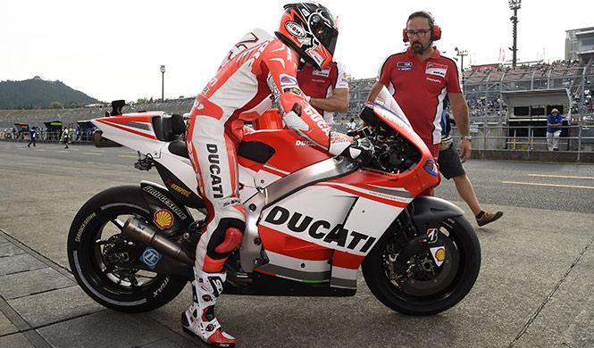 Libres MotoGP GP Japón 2014: Dovizioso encabeza el viernes