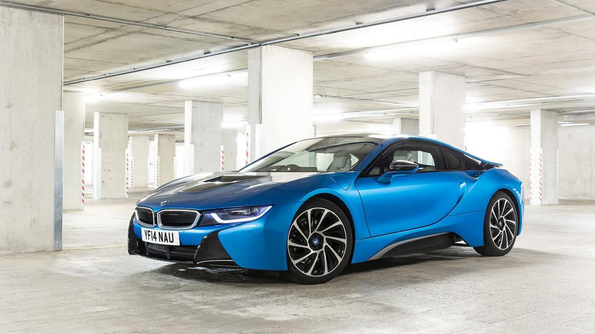 German Special Customs radicaliza al BMW i8