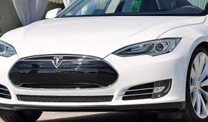 Tesla Model S P85D, de 0 a 100 km/h en 3,2 segundos