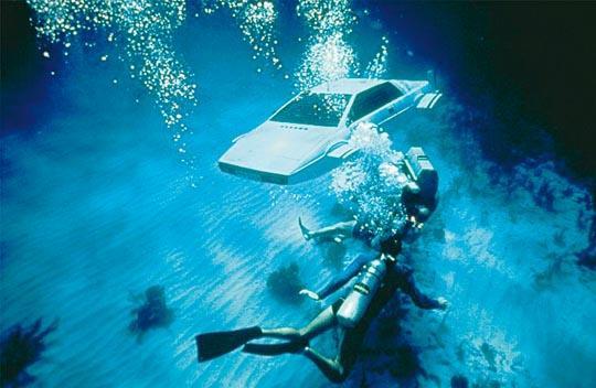 Lotus Esprit sumergible de James Bond, a la venta en eBay