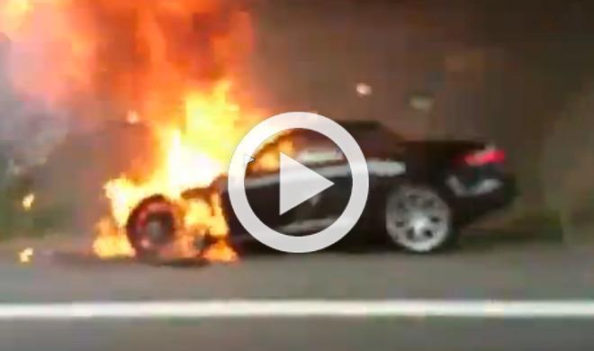 Un Jaguar F-Type explota en una autopista alemana