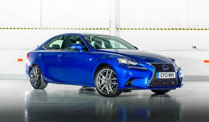 Lexus IS 300h 2015, ligeros cambios