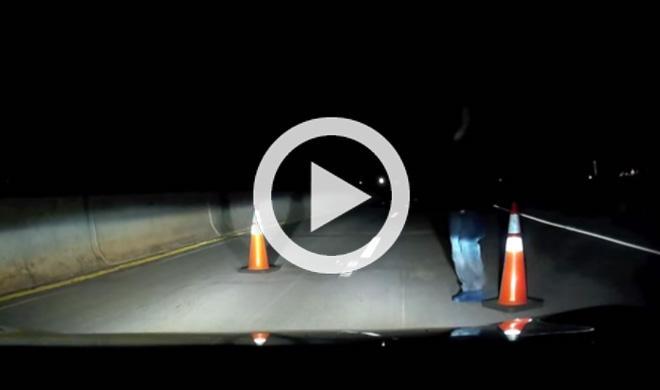Vídeo: intentan atracarle en medio de una autopista