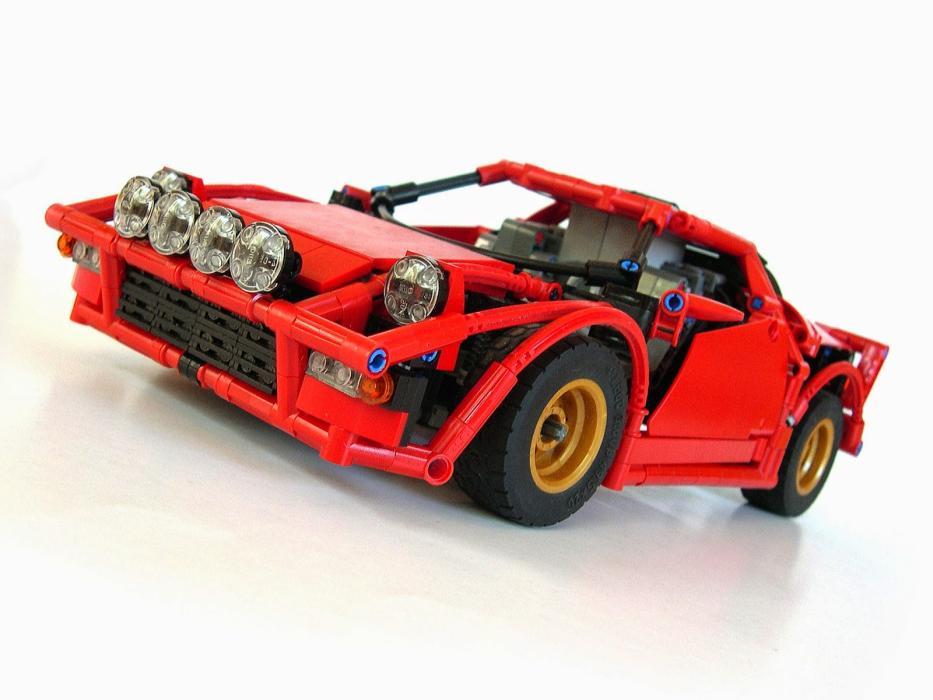 Un Lancia Stratos de Lego que ¡corre y derrapa!