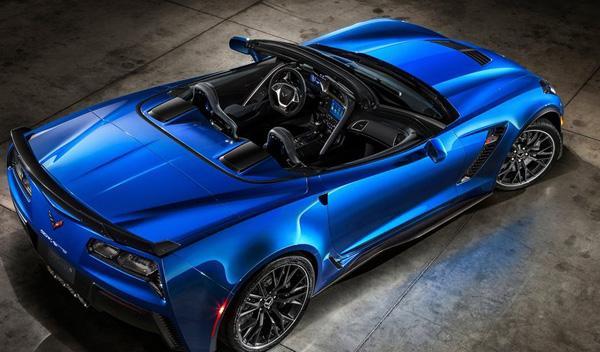 Un Corvette Z06 Convertible se estrella en Michigan