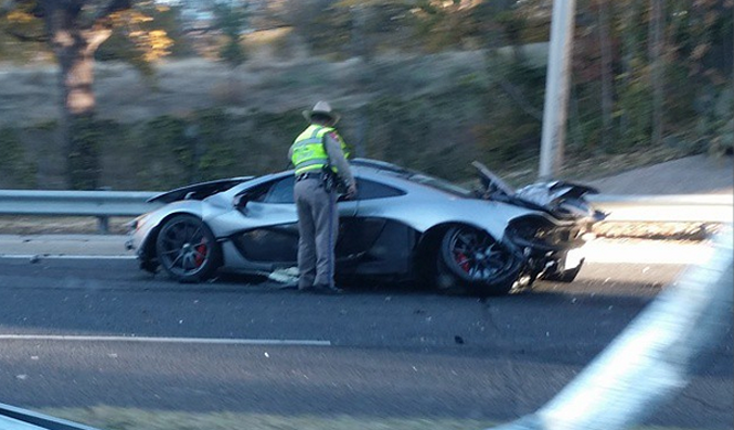 Brutal accidente de un McLaren P1 en Texas