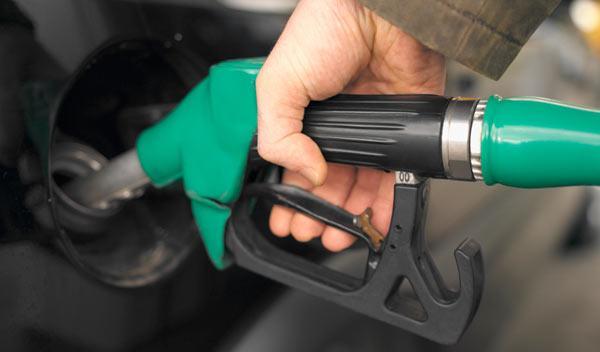 El precio del gasolina baja a cifras de 2011
