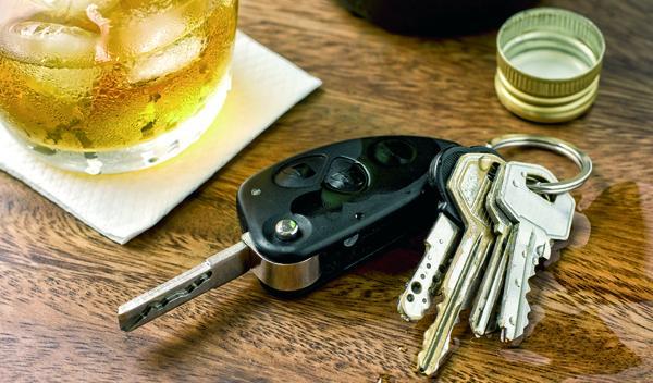 Precaución con el alcohol al volante, también en Navidad