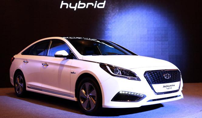 Hyundai Sonata híbrido, consume 5,5 l/100 km.