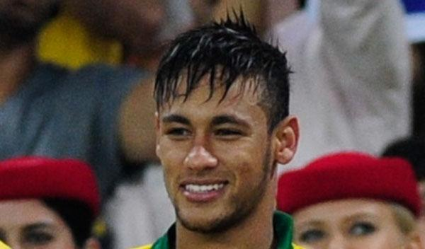 Neymar exprime su pasión por la velocidad en los karts