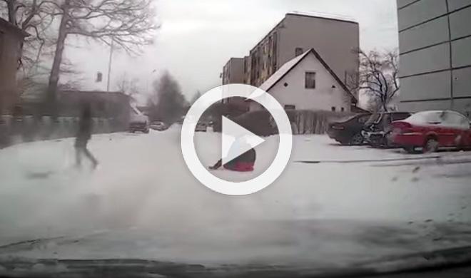 Vídeo: este conductor ruso salva la vida de dos niños