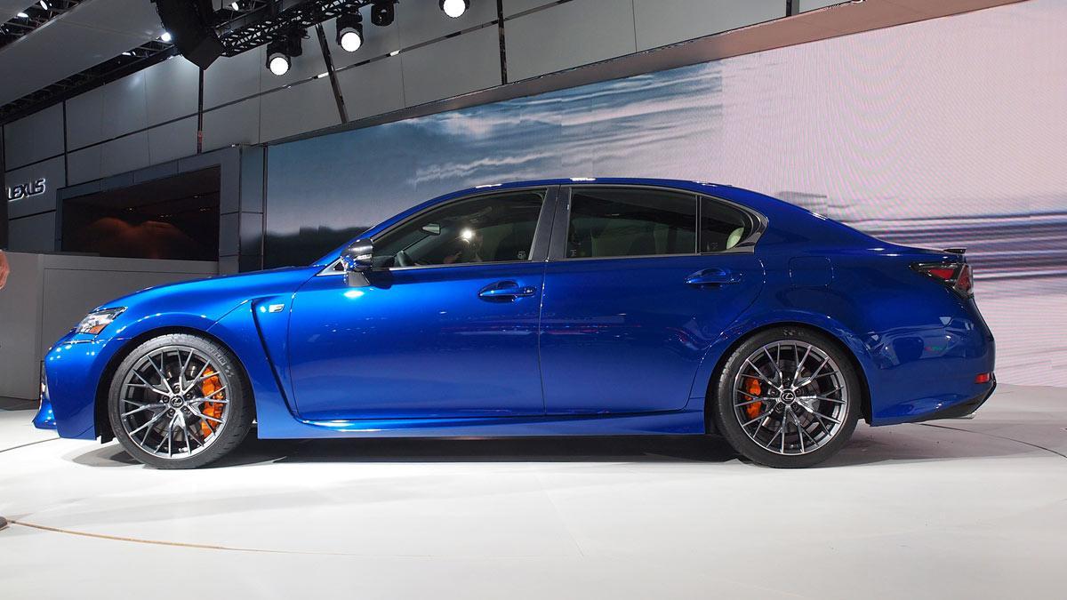 nuevo Lexus GS F 'stand' de Lexus del Salón de Detroit
