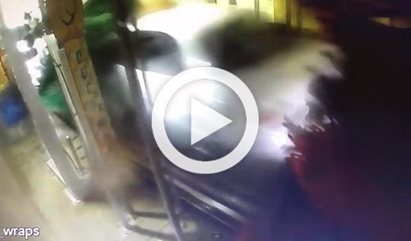 Vídeo: destroza un lavadero por acelerar en lugar de frenar