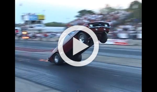 Vídeo brutal: un Camaro con nitro haciendo un caballito