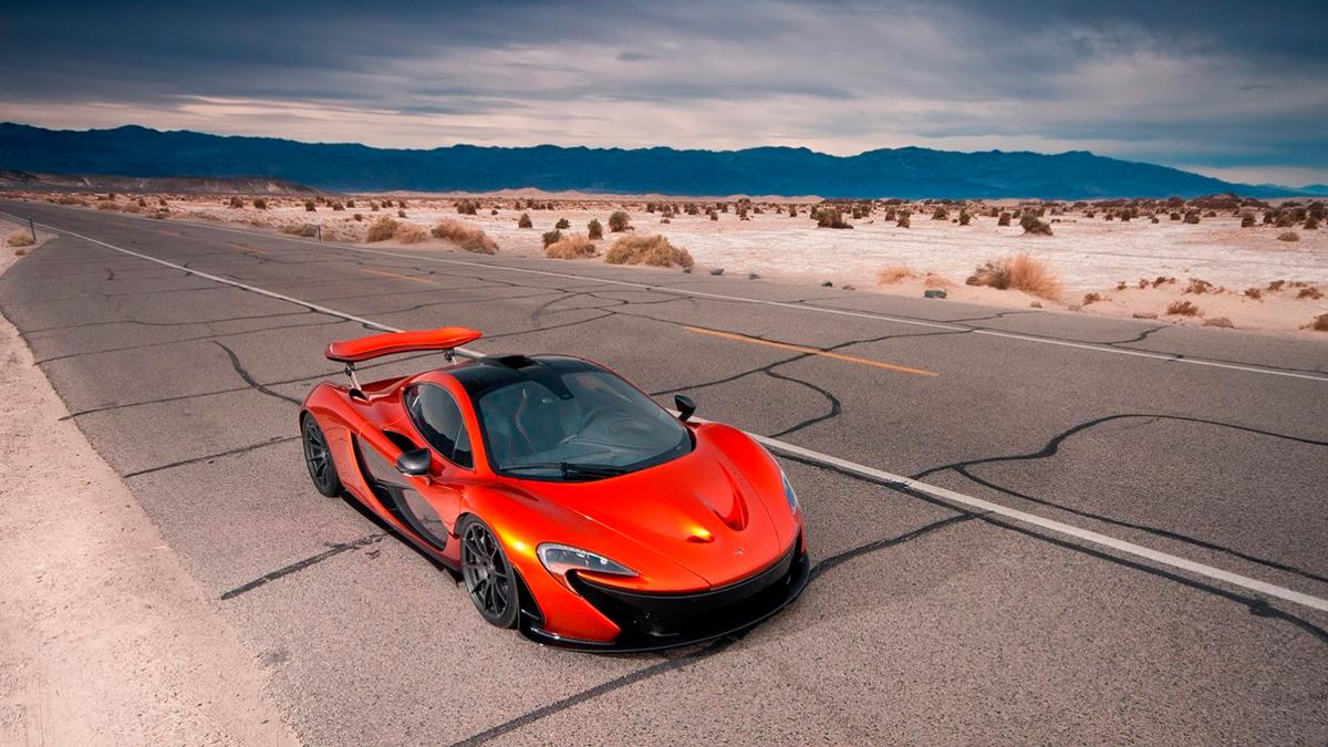 McLaren P1 en Death Valley aerea