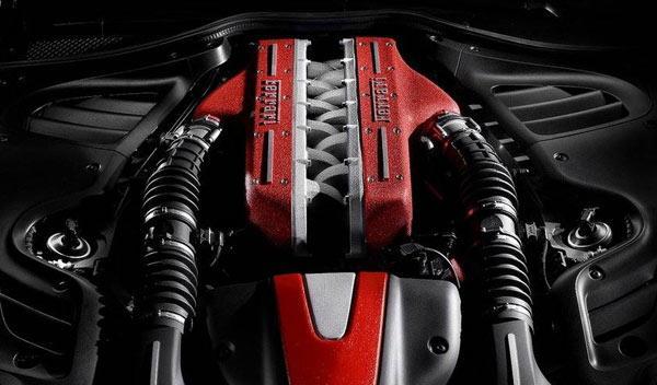 A la venta el motor de un Ferrari FF, ¿dónde lo meterías?