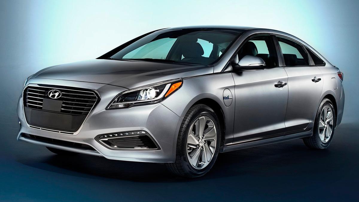 Hyundai i40 Hybrid sonata delantera