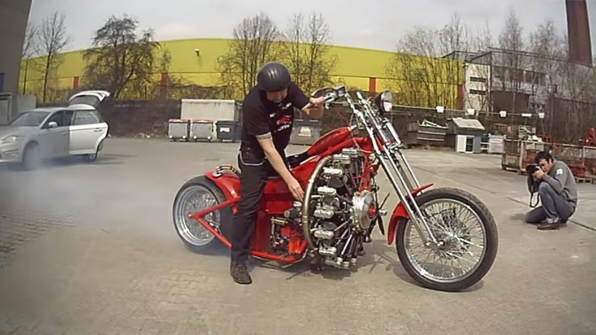 Vídeo: Barón Rojo, una moto ¡con motor de avión!