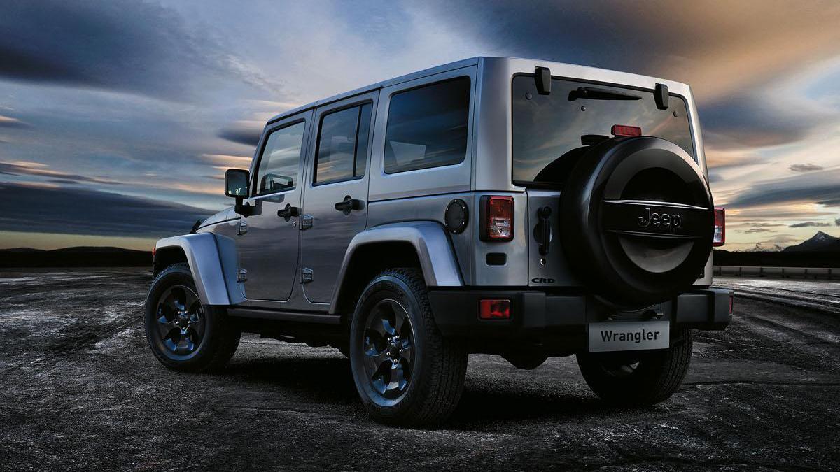Jeep-Wrangler-Black-Edition-II-zaga