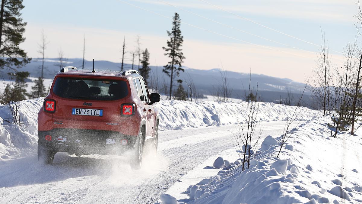 Jeep Renegade en hielo y nieve diesel