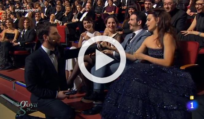 Dani Rovira 'regala' un Kadett a Penélope Cruz en los Goya