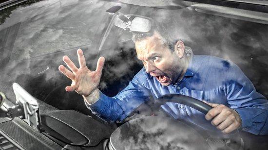 Cinco vicios que te ponen en peligro al volante