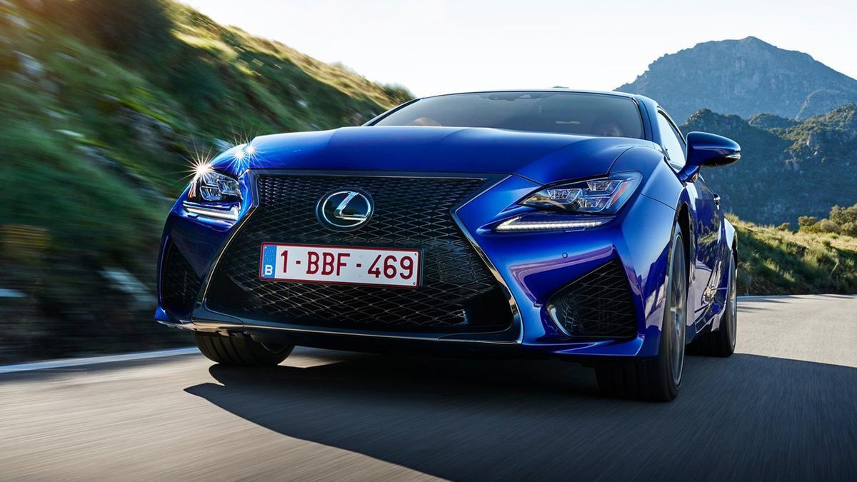 coches-no-querrias-ver-retrovisor-Lexus-Rc-F