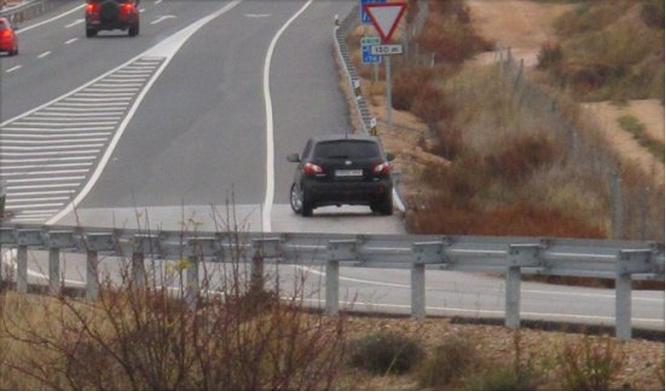 Solo siete radares en los 125 km más peligrosos de España