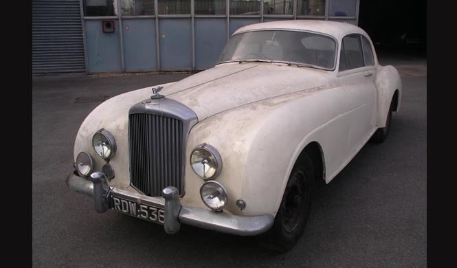 A subasta el Bentley más raro que has visto