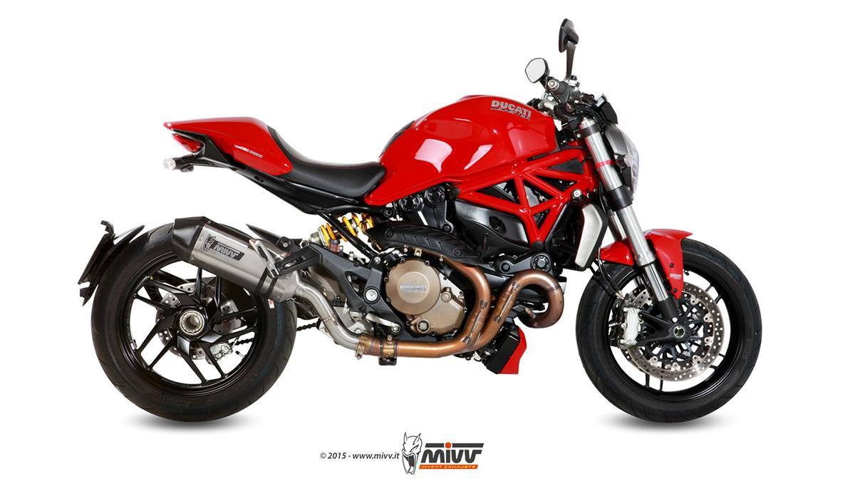 Ducati Monster 1200 con escape MIVV