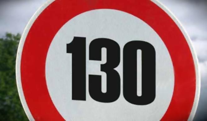 A favor de subir el límite de velocidad a 130 km/h