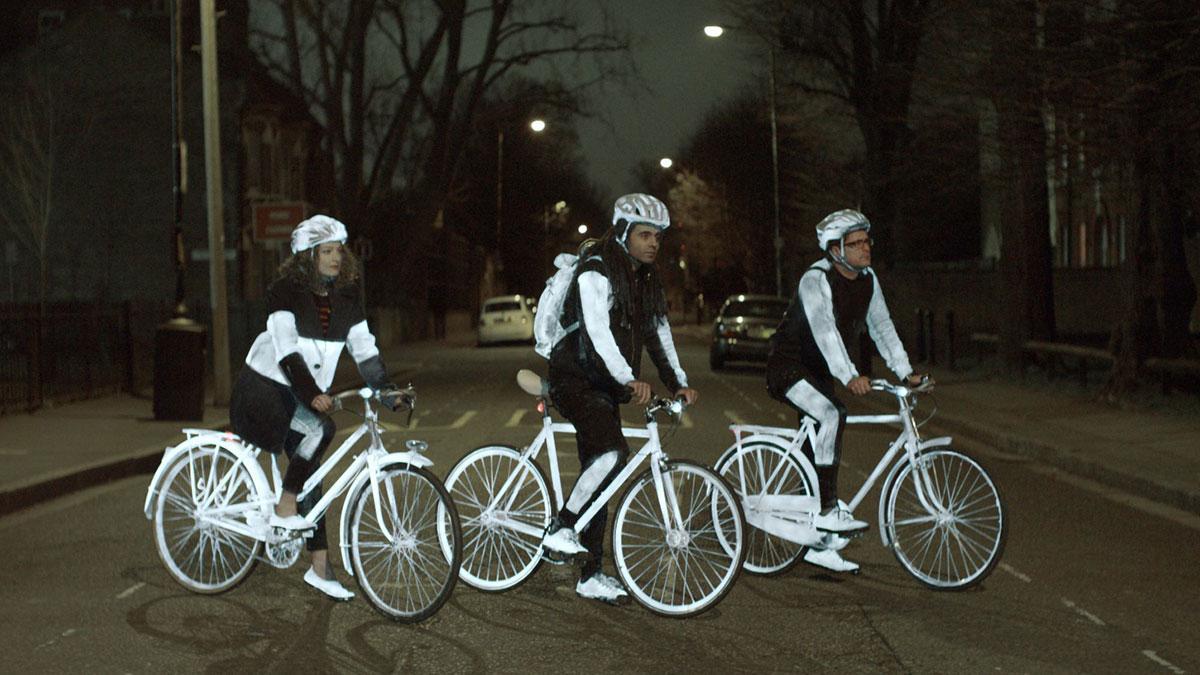 Ciclistas retroiluminados