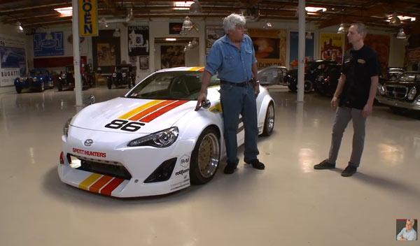 Jay Leno prueba un Toyota GT86 de 300 CV