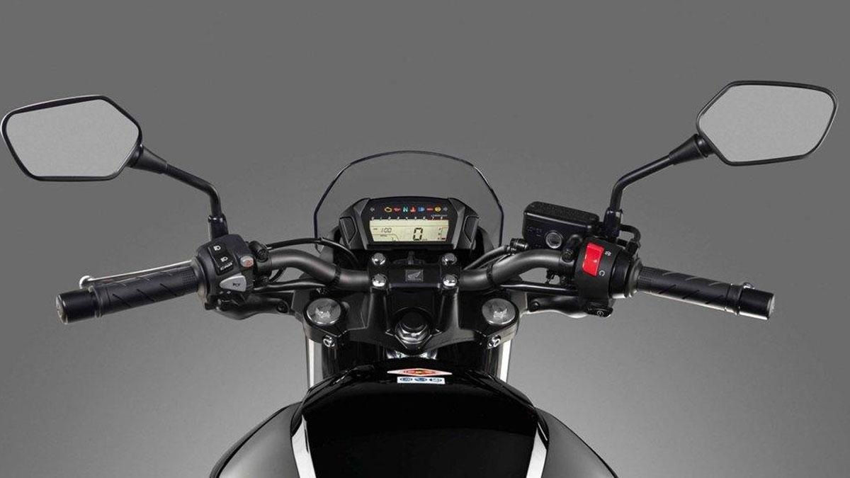El manillar de la moto se revisa en la ITV, y su bloqueo de seguridad