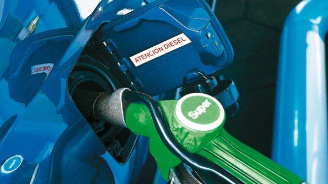 Llenar el depósito de gasolina sube un 11,9% desde enero