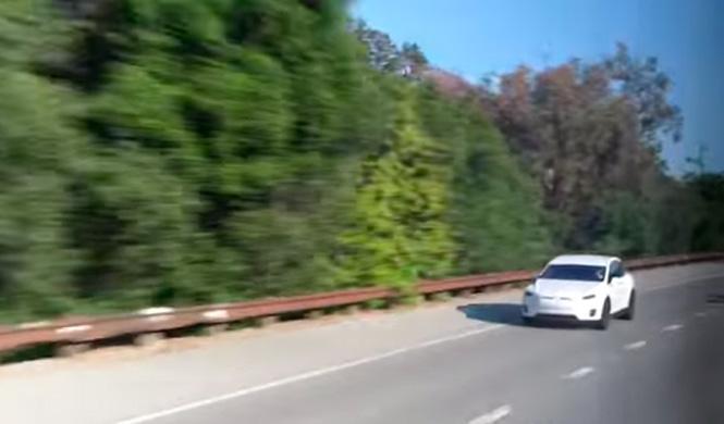 Así prueban los asistentes de seguridad del Tesla Model X