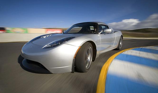 El Tesla Roadster 3.0 estará listo en agosto