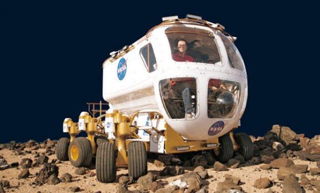 AUTO BILD se sube al coche lunar de la NASA