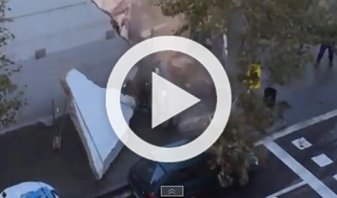 Descubre en Youtube que su coche lo aplastó la grúa