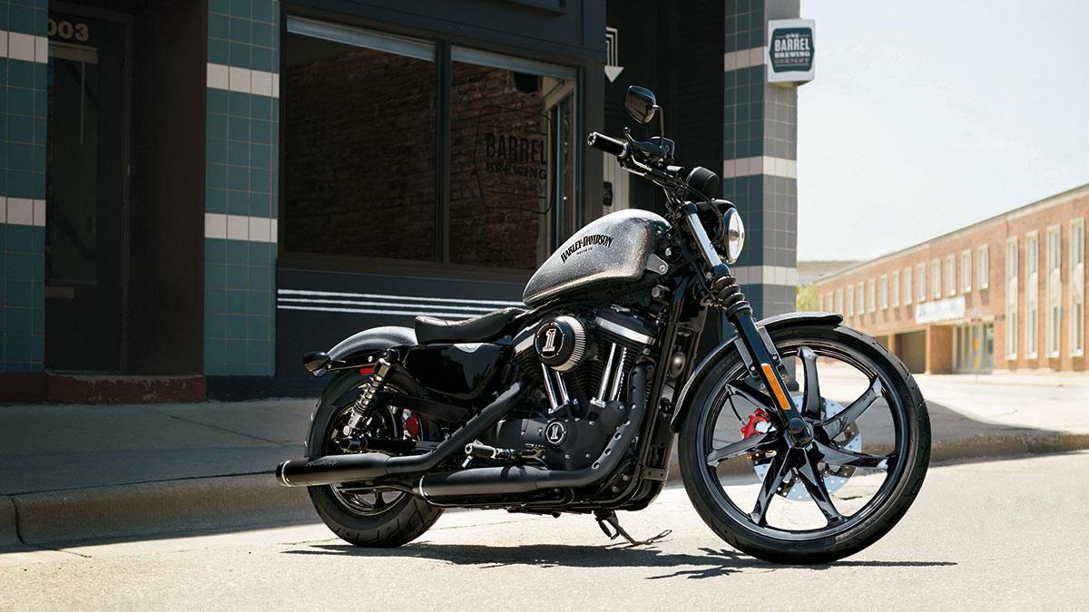 Te compras una Harley-Davidson y te regalan unos escapes