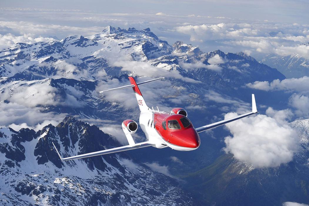 avion de honda volando