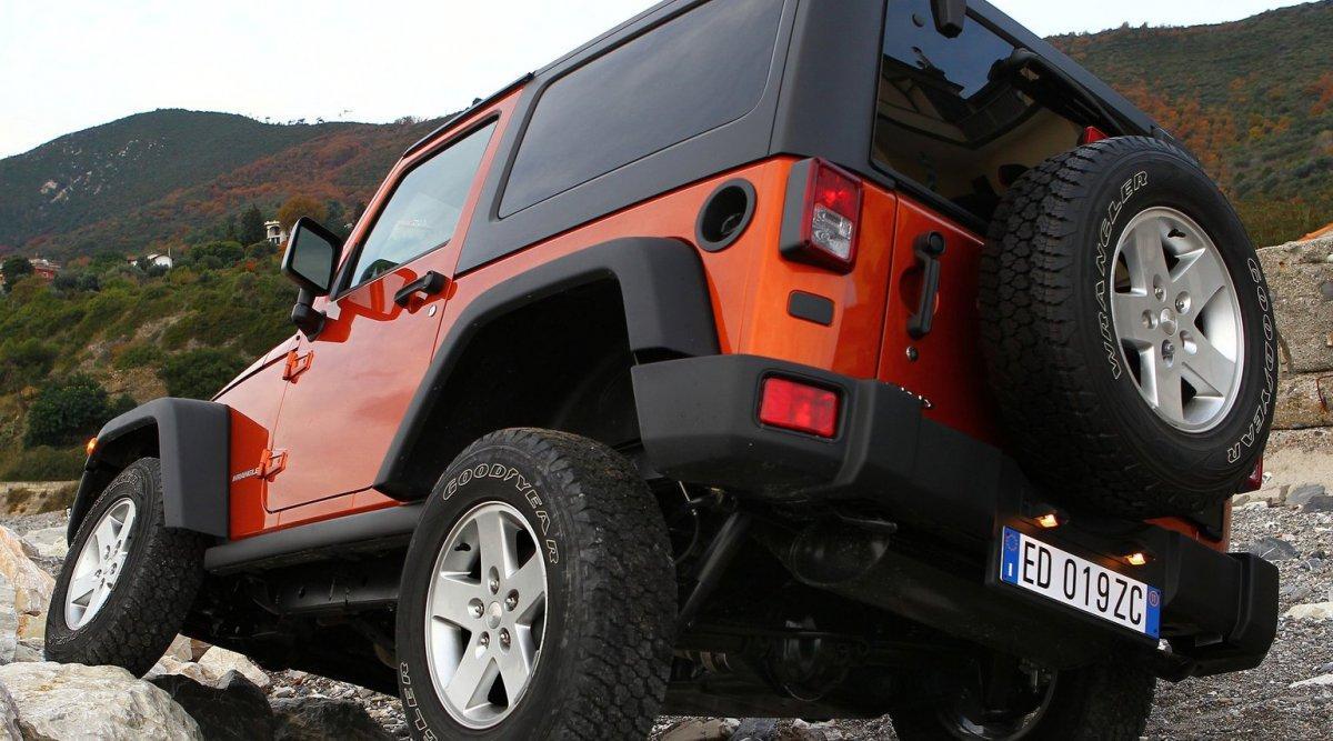 Jeep Wrangler trasera