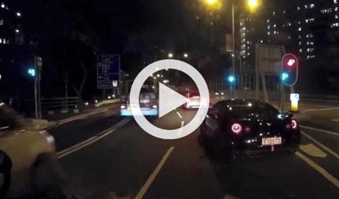 Nissan GT-R, carreras urbanas y Hong Kong, imagina…