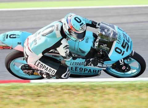 Carrera Moto3 GP de Catalunya 2015: Kent se ríe de todos