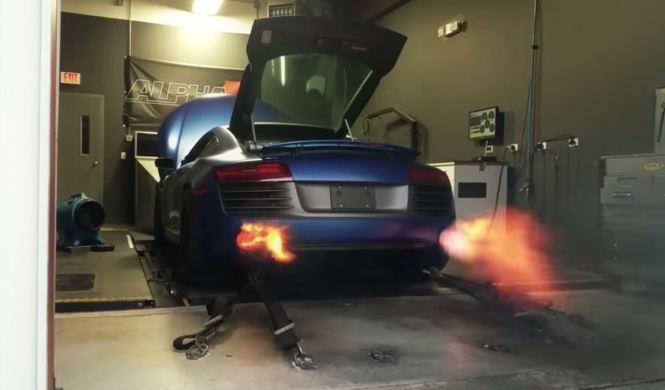 Ojo, que te quemarás las cejas: Alfa R8 V10 Twin Turbo