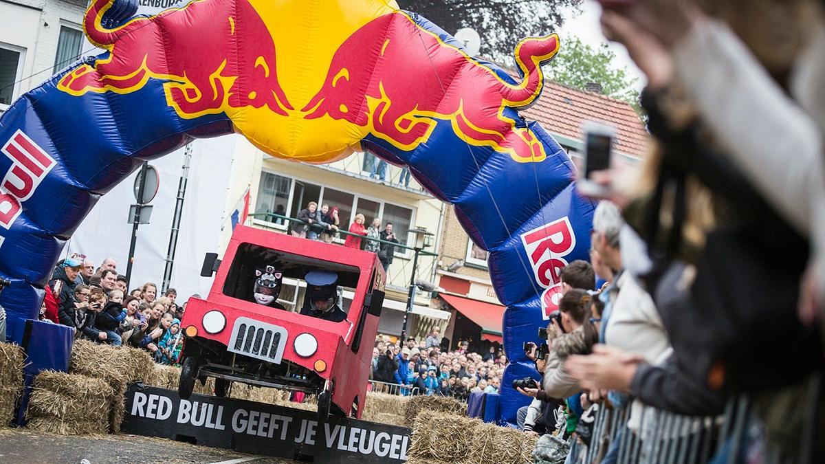 Red Bull Autos Locos en Valkenburg