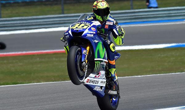 Carrera MotoGP Assen 2015: Rossi engrandece su leyenda