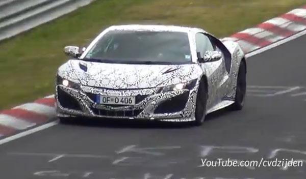 ¡Madre mía cómo se mueve el Honda NSX 2015 en Nürburgring!