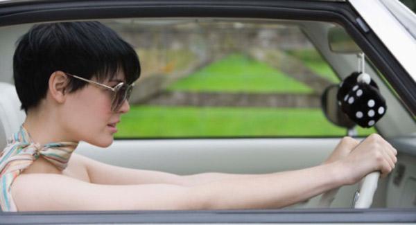 15 fotos que apoyan eso de que las mujeres conducen peor...